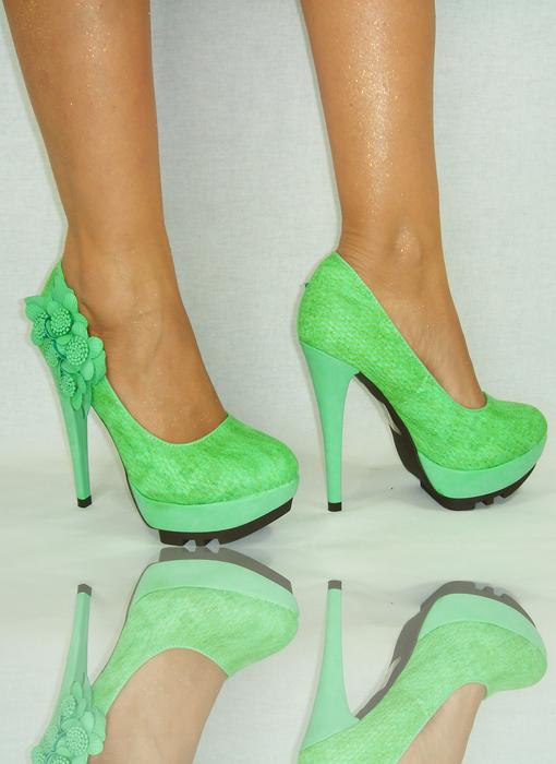 damenschuhe catwalk 39 gr n neu plateau high heels pumps. Black Bedroom Furniture Sets. Home Design Ideas