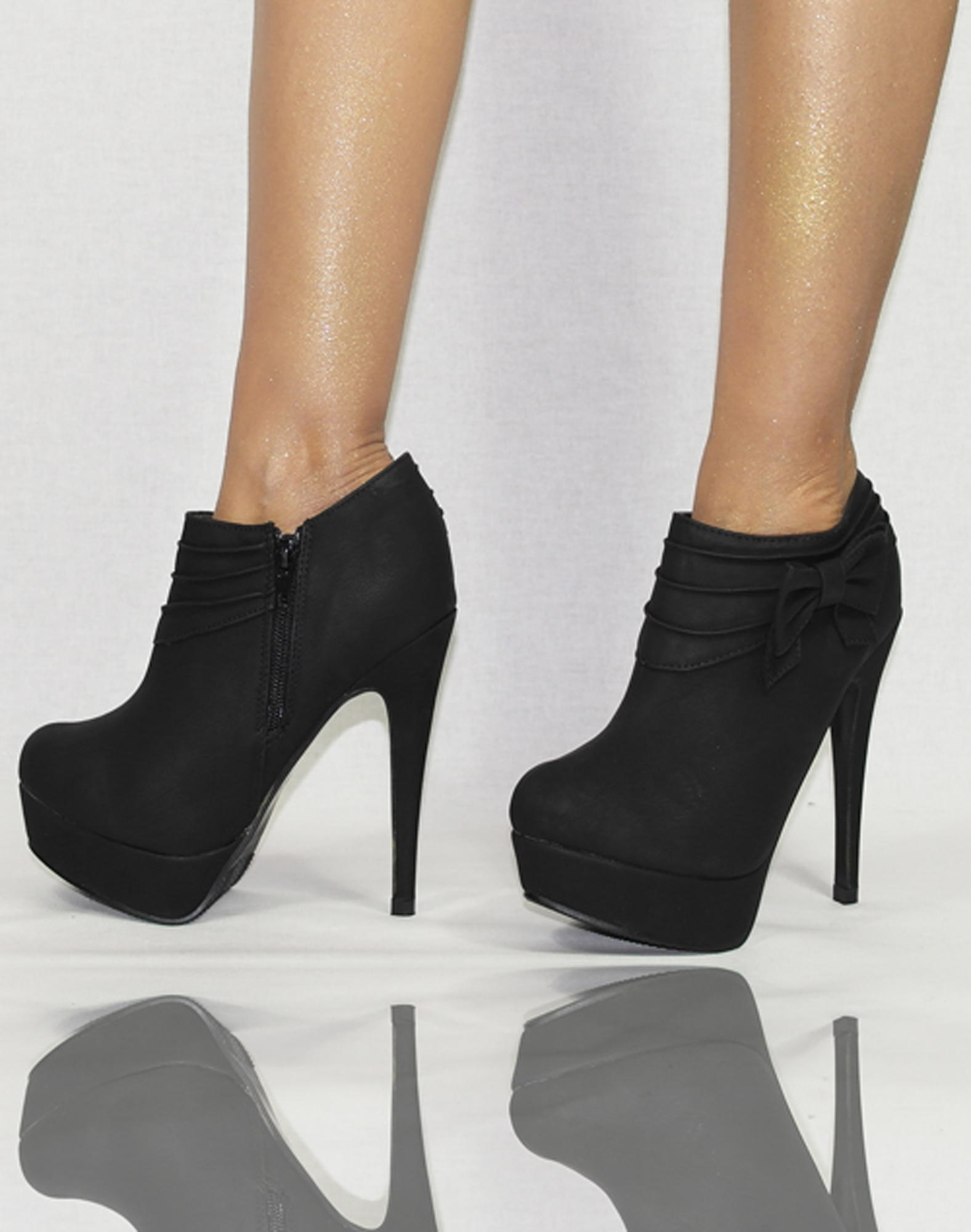 damenschuhe pumps schwarz rot braun gr n blau high heels. Black Bedroom Furniture Sets. Home Design Ideas
